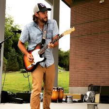 Acoustic Lunch with Travis Radaz