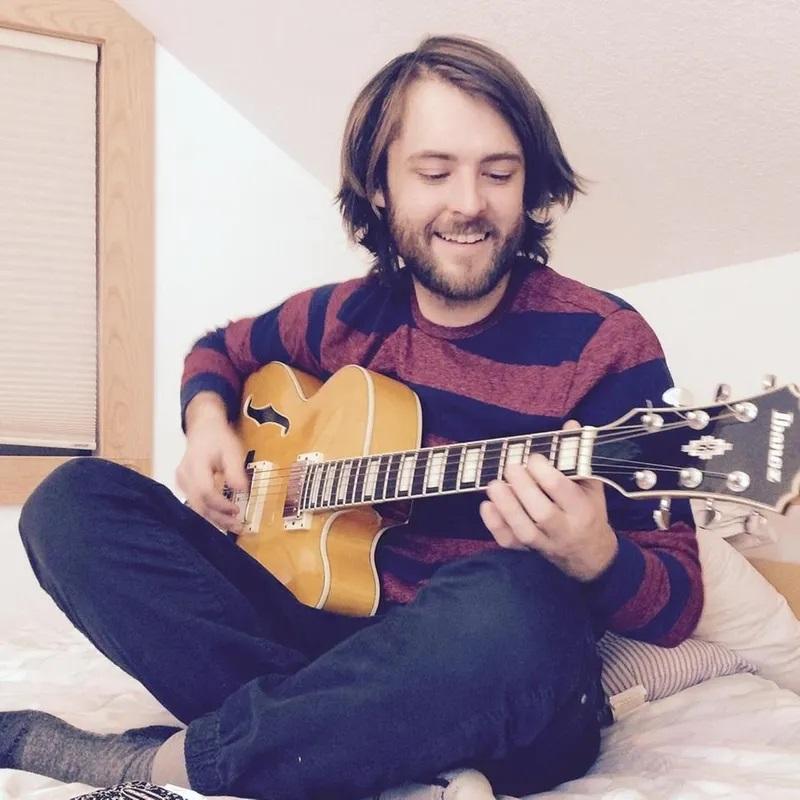 Acoustic Lunch - Chris Michels