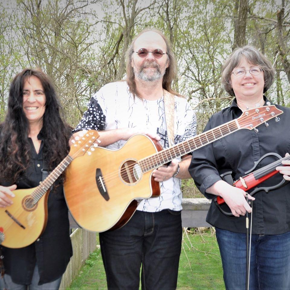 Acoustic Lunch - John and Tamara Andrews